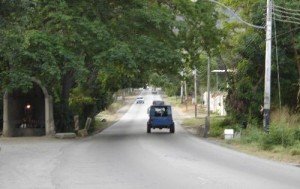 Entrada a Tacarigua por el cerro El Portachuelo